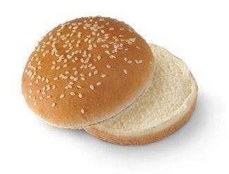Pesti óriás szezámos hamburger zsemle 83g.